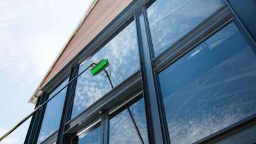 1. Pure Water Window Cleaning